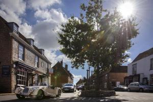 Around Pekes: Alfriston High Street