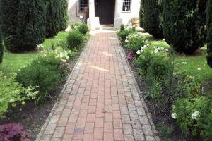 The Pekes Manor Estate. The welcoming pathway to the front door.