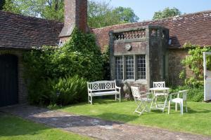 The Wing at Pekes Manor.